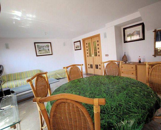 God-lejlighed-i-Cabopino-stue2