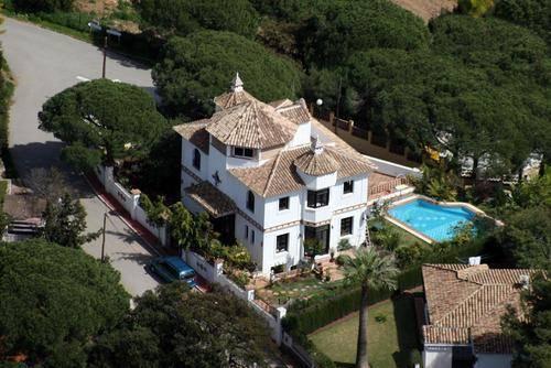 Fabelagtig-Villa-til-salg-i-Elviria-aerialview
