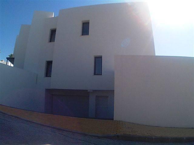 Helt-ny-villa-til-salg-Atalaya-building