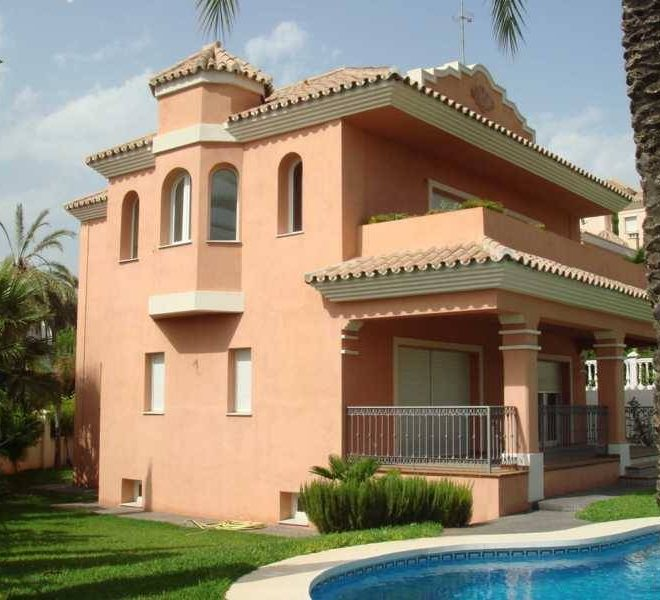 Luksus-frontline-golf-Villa-Marbella-outsidewithpool