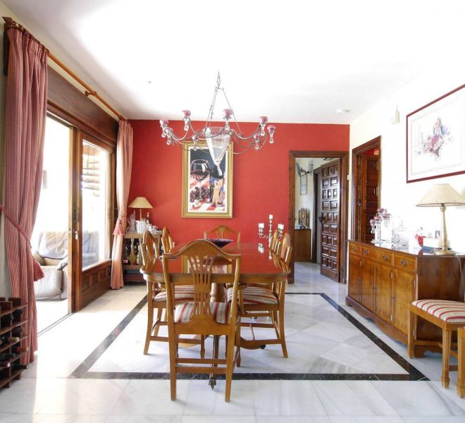 rustikke-villa-i-marbella-til-salg-dining