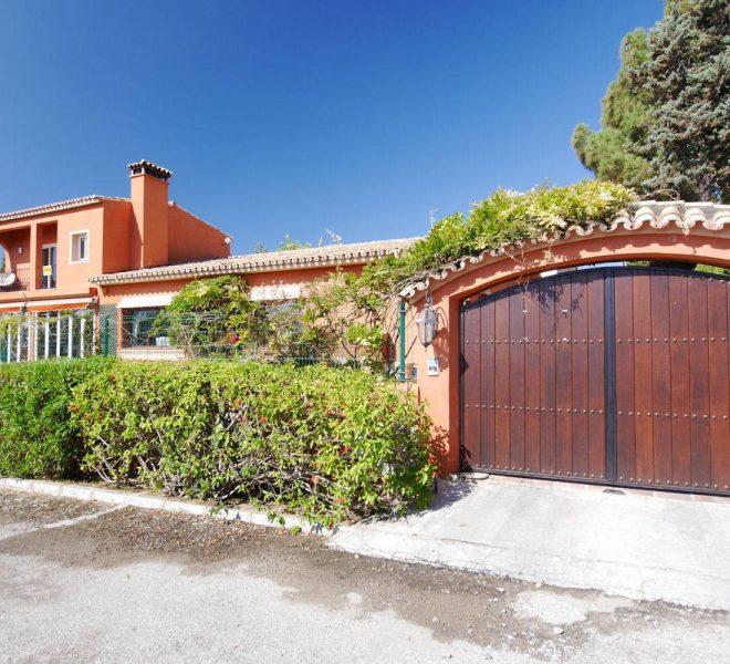 rustikke-villa-i-marbella-til-salg-drive