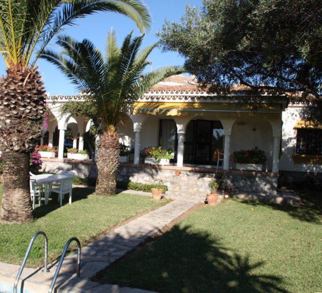 stor-villa-costabella-til-salg-main
