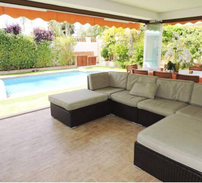 strandvilla-til-salg-i-el-rosario-marbella-terrace