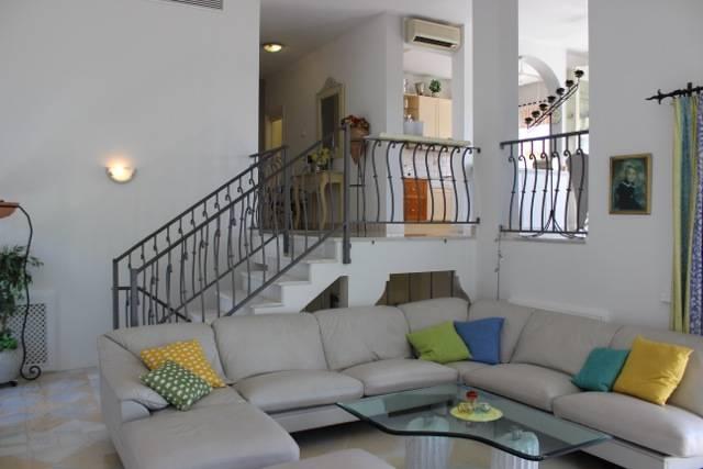 stunning-villa-til-salg-La-Quinta-livingroom