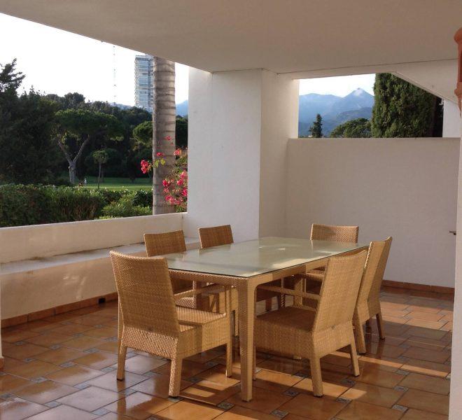 Apartment-til-salg-i-Bahia-de-Marbella-livingroom
