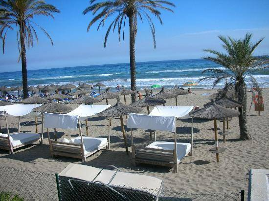 Beach-front-villa-i-Las-Chapas-East-Marbella-main