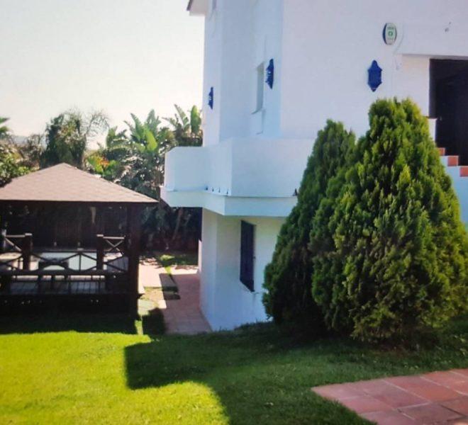 Dejlig-Villa-til-salg-i-Elviria-main