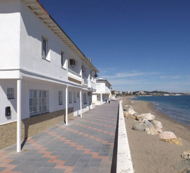 Frontline-beach-leilighed-i-La-Cala-til-salg-main
