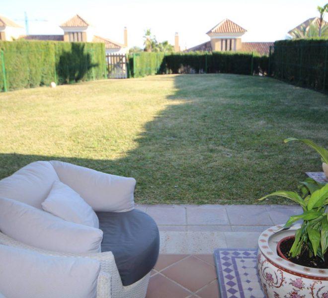 Golf-Villa-til-salg-i-Marbella-garden