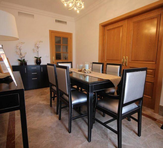 Luksus-Villa-i-Marbella-til-salg-dining