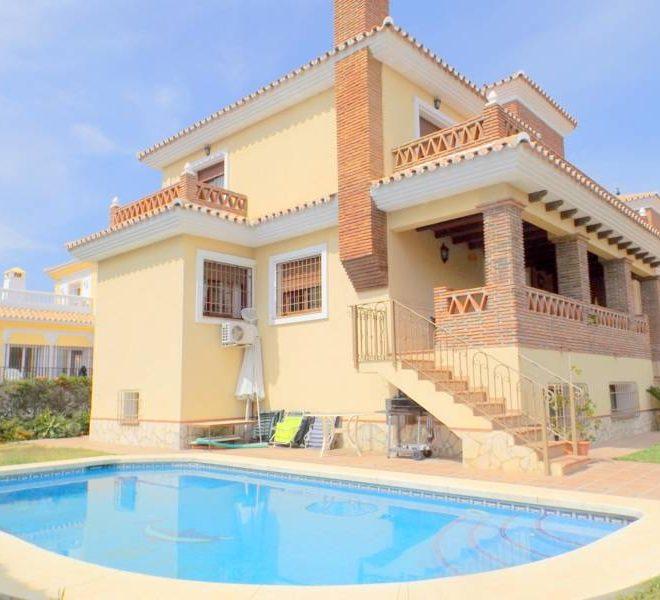 Smuk-Villa-til-salg-i-La-Cala-de-Mijas-main