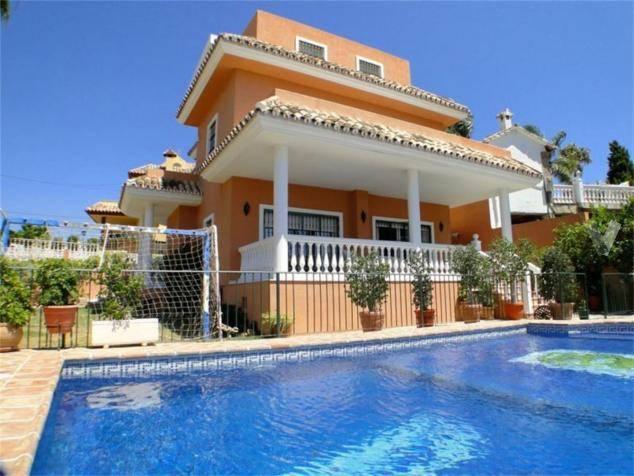 Villa-i-Nueva-Andalucia-til-salg-main