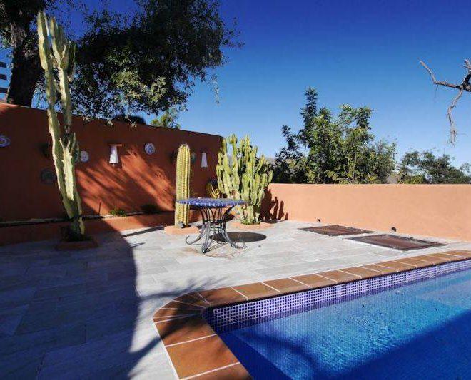 Villa-til-salg-i-Elviria-Marbella-pool3
