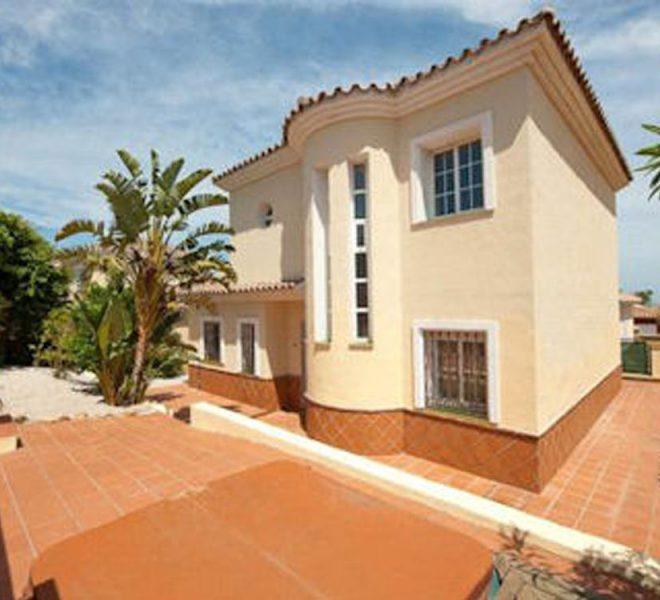 featured Reducerede Villa i Duquesa Costa del Sol