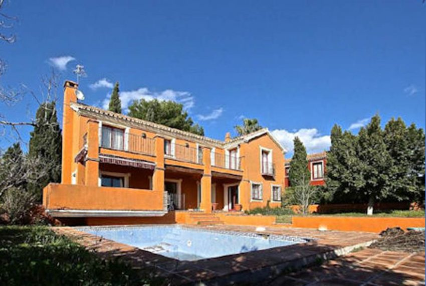 featured Villa i Marbella til Salg - Øst Marbella