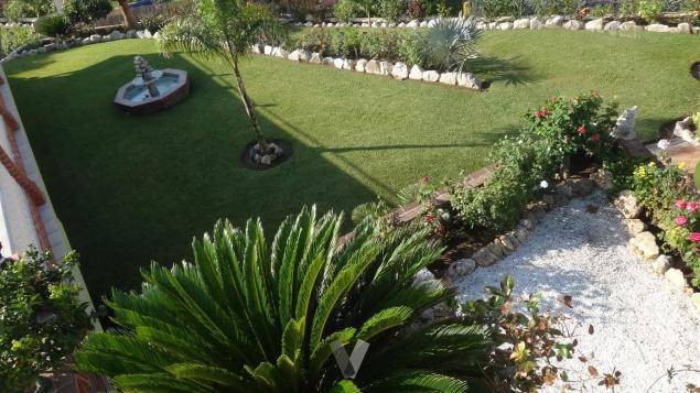 Villa-med-stor-grund-i-La-Cala-de-Mijas-garden