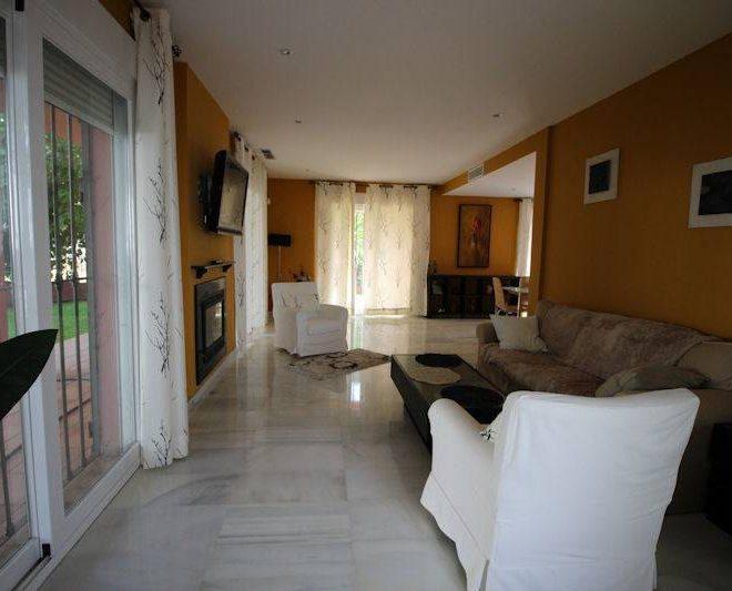 beach-villa-elviria-til-salg-interior