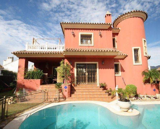 Fantastisk-Villa-til-salg-i-Marbella-main