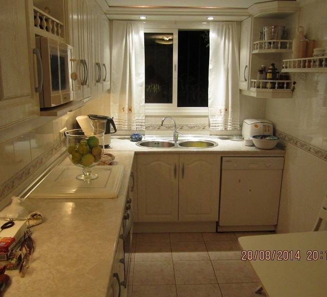 Hus-til-salg-i-Cabopino-kitchen1