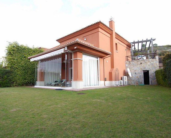 Hus-til-salg-i-Santa-Clara-Marbella-garden