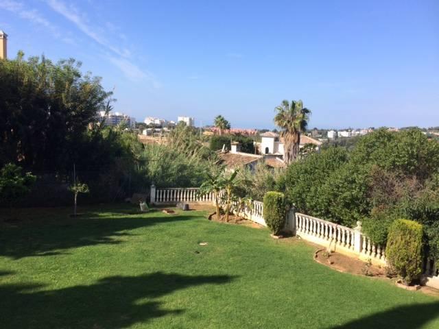 Smuk-Villa-til-salg-i-Marbella-garden
