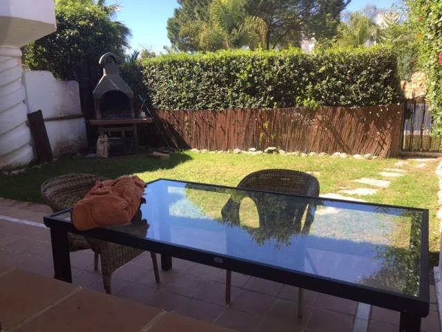Townhouse-til-salg-i-Bahia-de-Marbella-garden