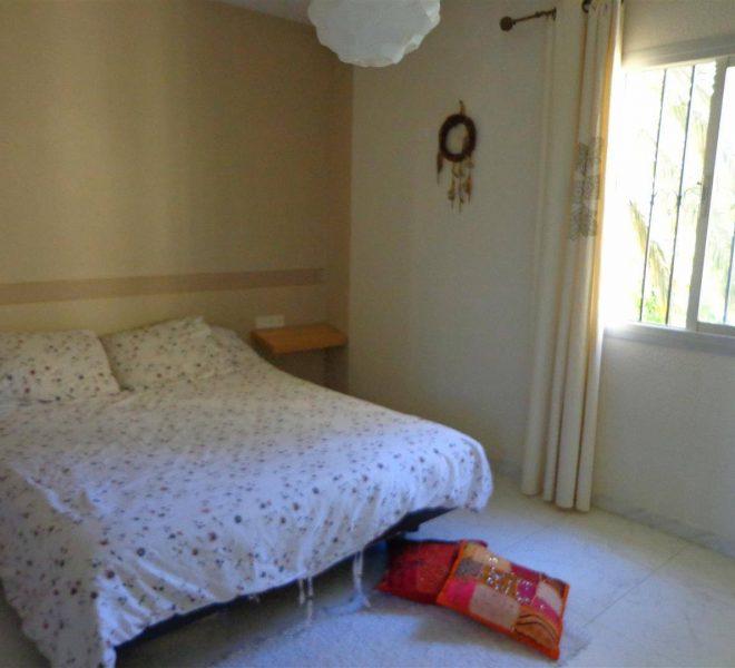 Villa-i-Calahonda-til-salg-bedroom1