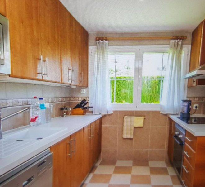 hus-til-salg-i-cabopino-kitchen